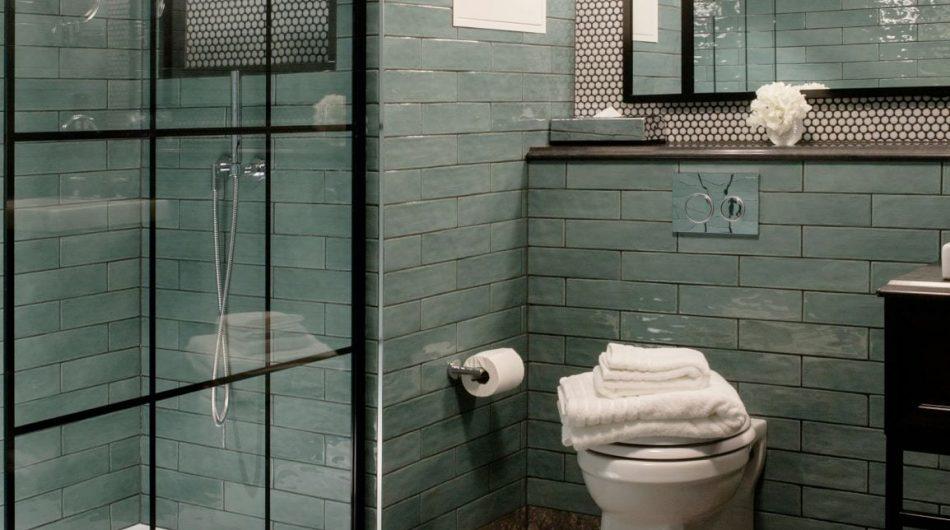 The_Green_Bathroom_Toilet